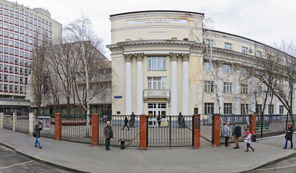 Путин отметил вклад «Гнесинки» вотечественную культуру