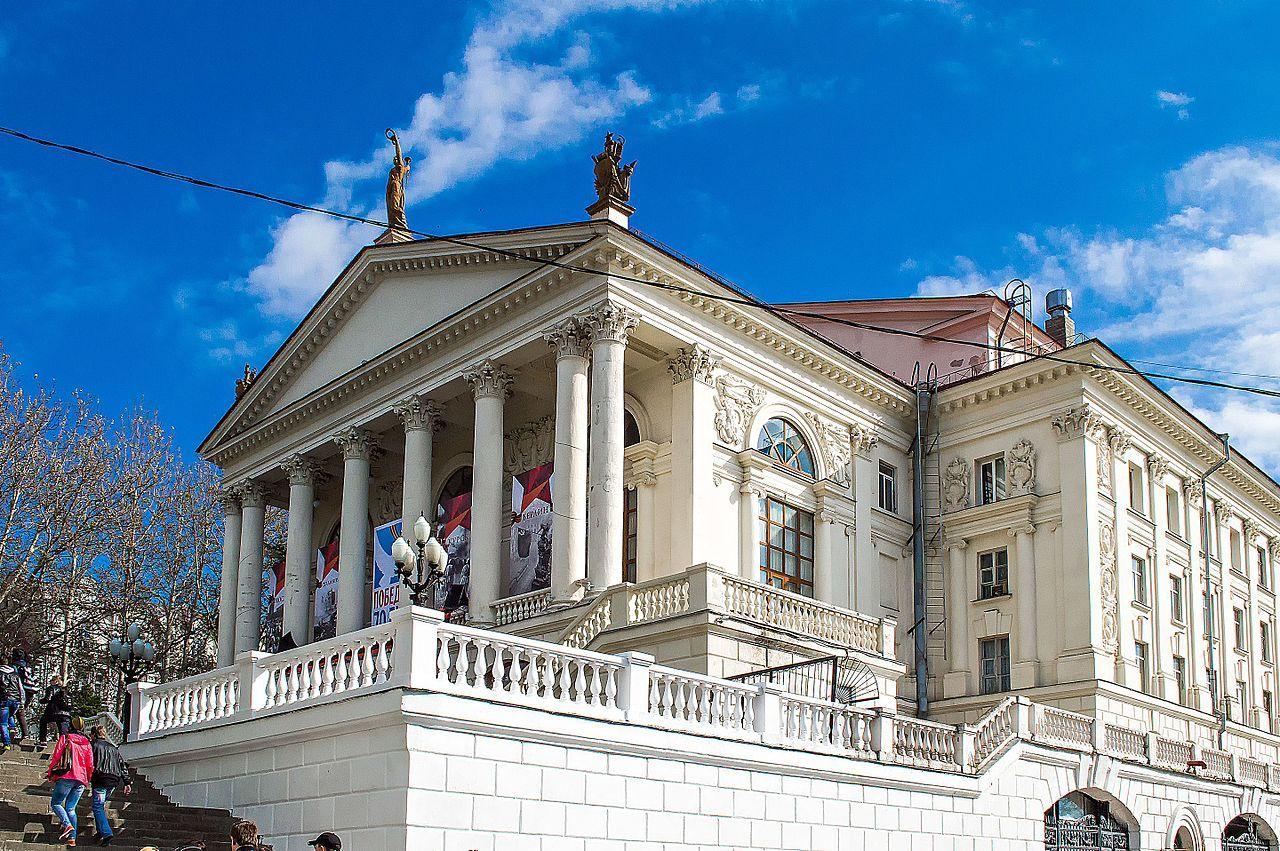 Театр Севастополя представит на первых за 30 лет гастролях в Москве «Мастера и Маргариту»