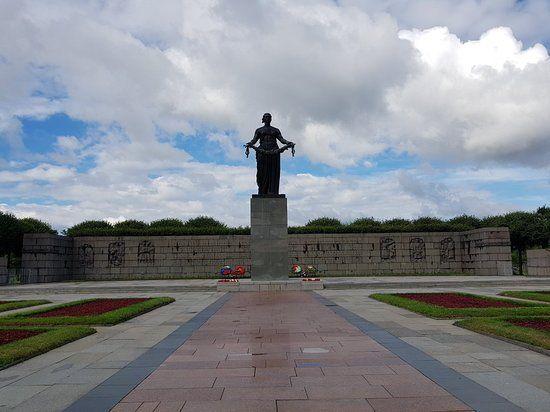 Новый музей о войне откроют напротив Пискаревского кладбища в Петербурге ко Дню Победы