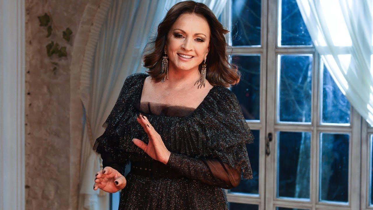 Музыкальный критик прокомментировал слухи о потере Софией Ротару 42 млн. рублей