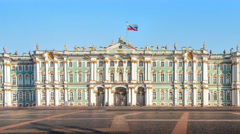 Эрмитаж опробует новую систему посещения на примере центров в Казани и Амстердаме