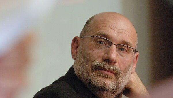 Писатель Борис Акунин заявил, что заразился коронавирусом