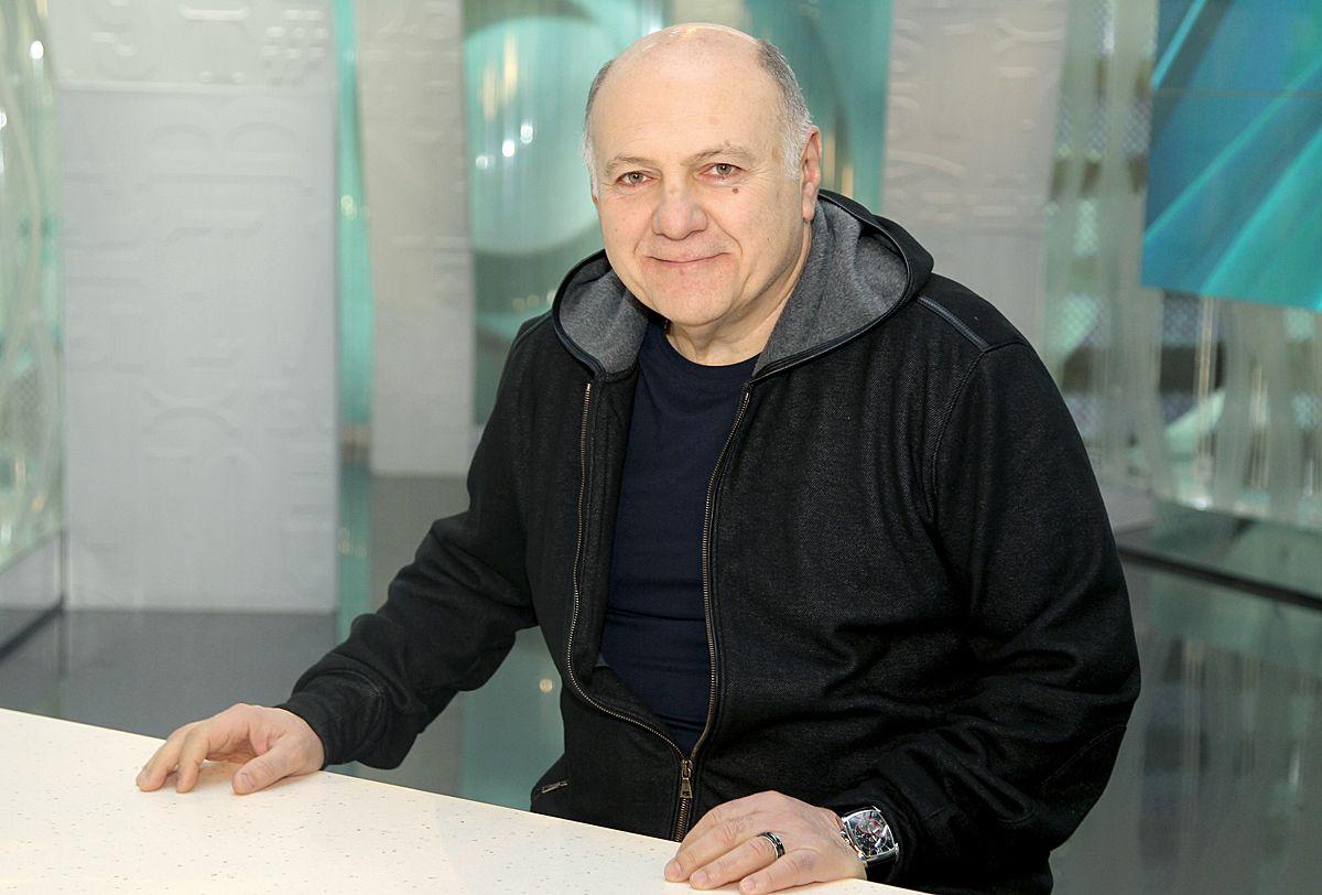 Театр Джигарханяна попросит назначить худруком режиссера Газарова