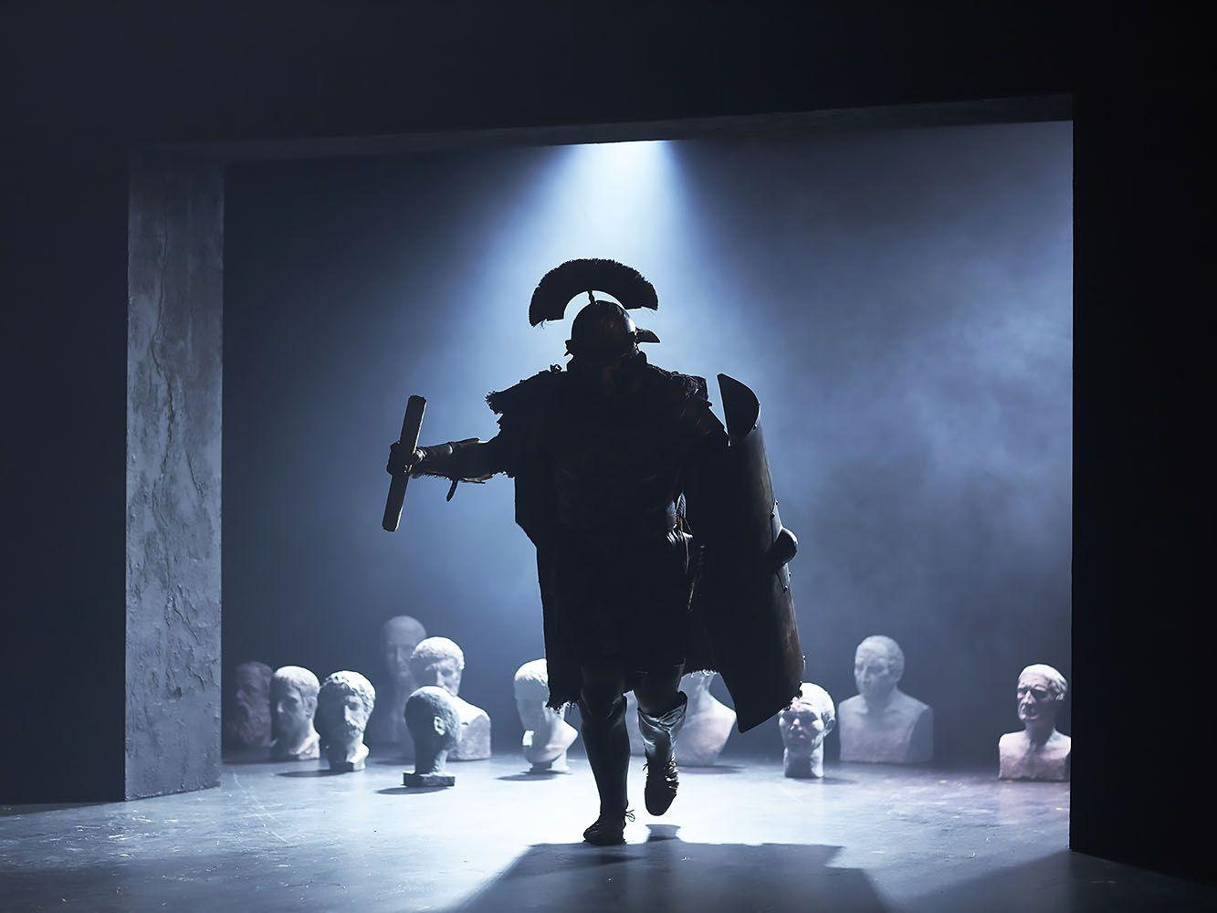 «Ромул Великой». Премьера на Новой сцене Вахтанговского театра. Фоторепортаж