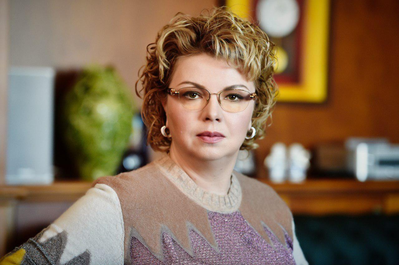 Ямпольскую удивила маркировка на Библии 16+