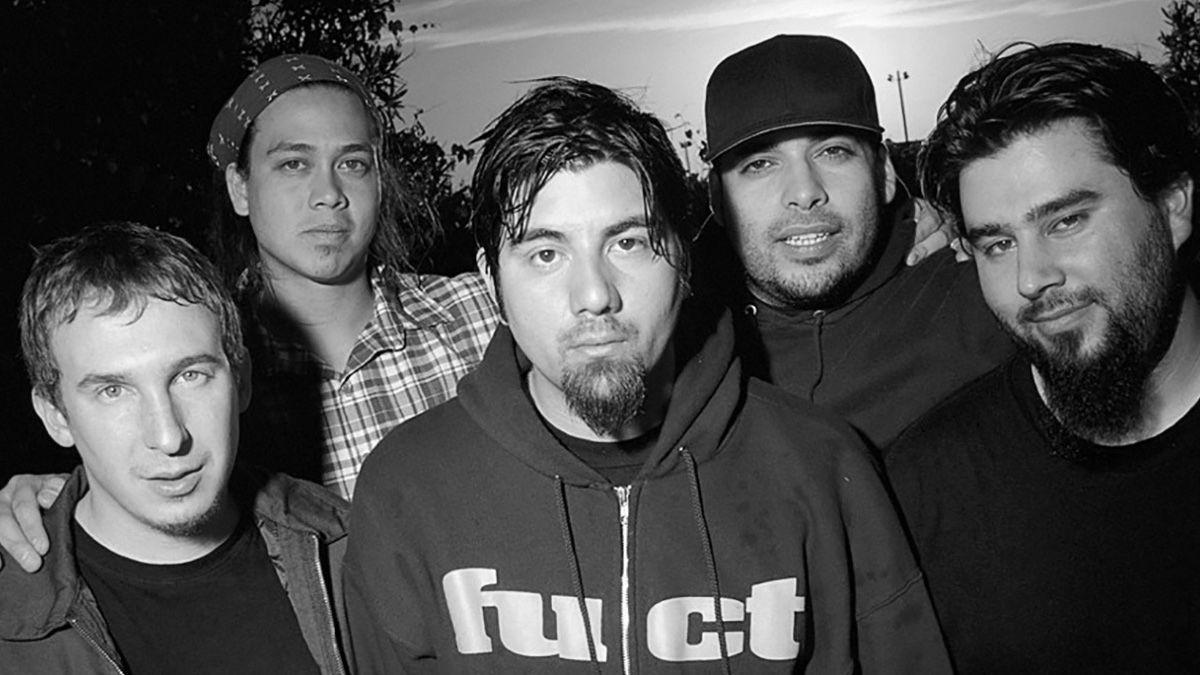Deftones выпустили рефлексивный трек «Genesis»