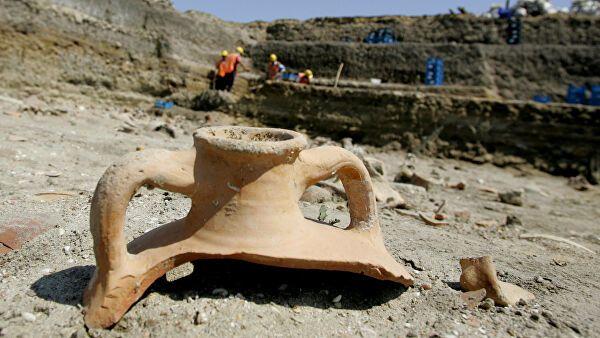 Турция добилась от Великобритании возврата двух археологических артефактов
