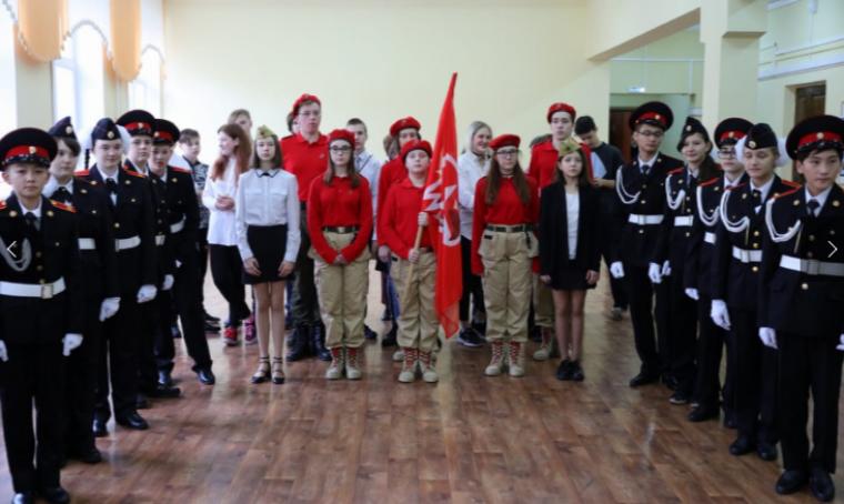 Мединский принял участие в открытии школьного Музея боевой славы