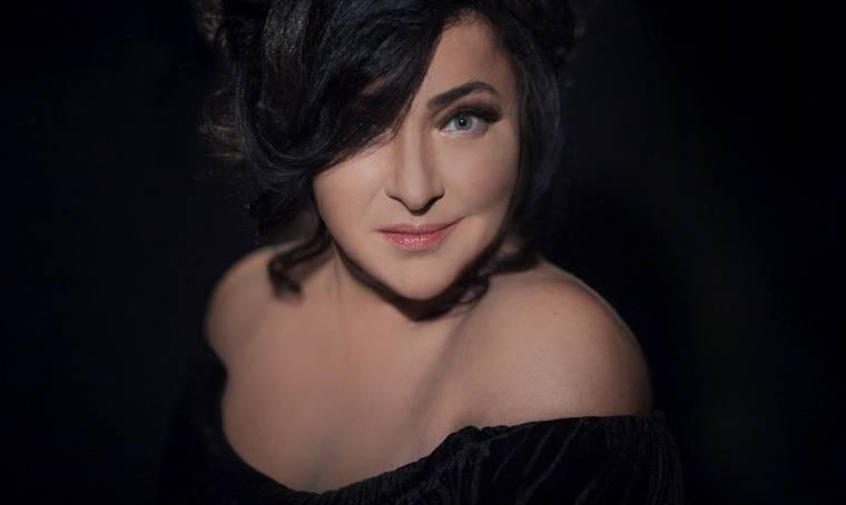 «Меня тошнит»: певица Лолита высказалась оновогодних «голубых огоньках»